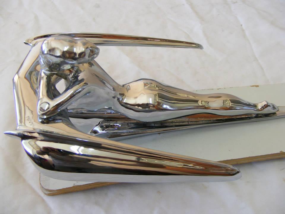 6 car mascot